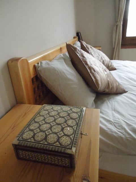 Image of bedroom detail