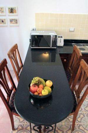 image of garden apartment breakfast bar